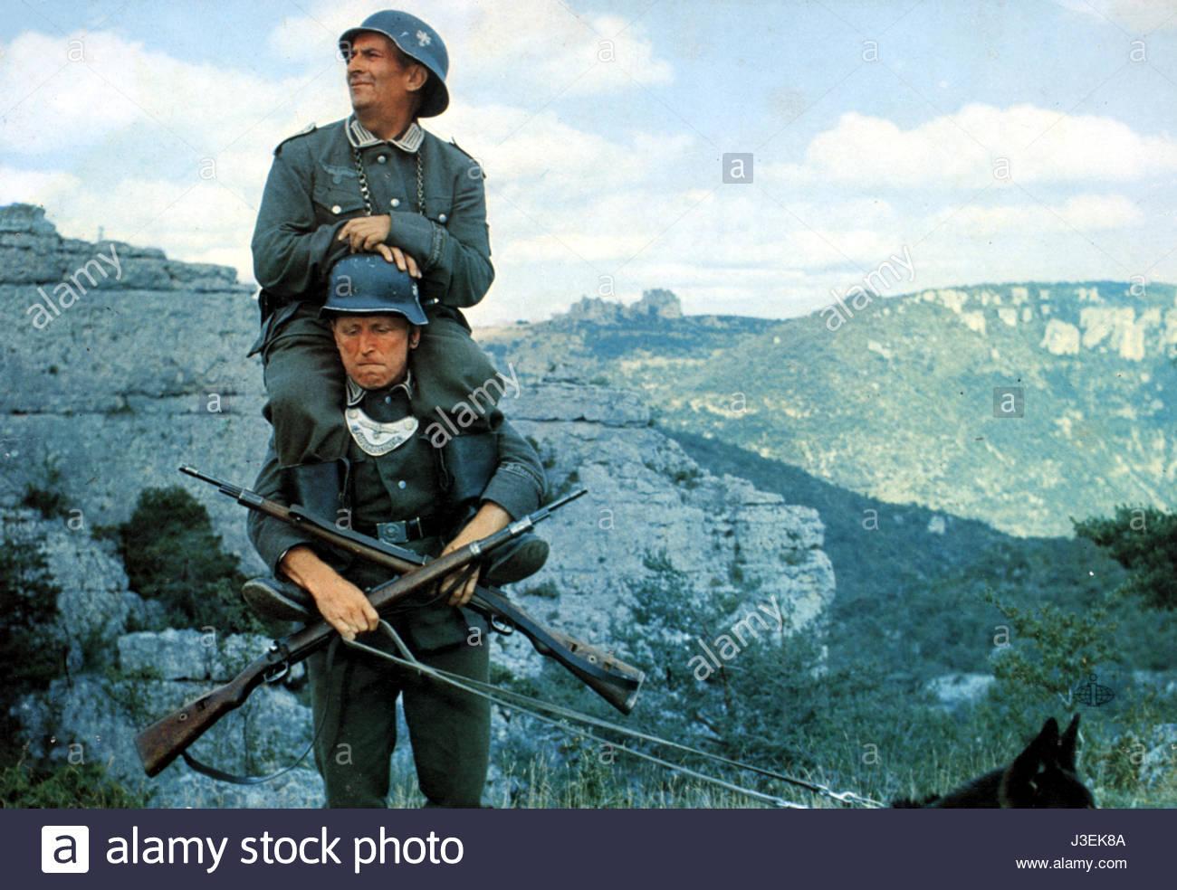 Pour en rire aussi !  - Page 2 La-grande-vadrouille-year-1966-france-bourvil-louis-de-funes-director-j3ek8a
