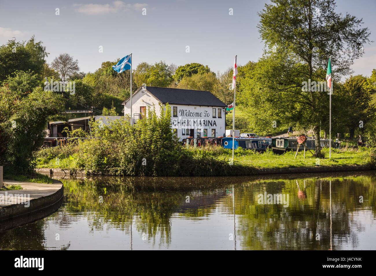 chirk-marina-with-narrowboats-moored-up-