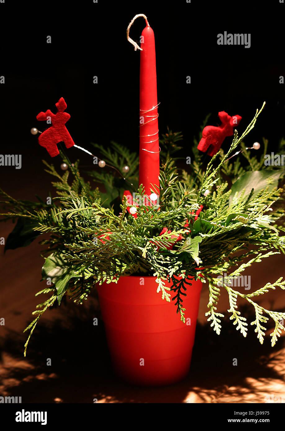 Adventsdekoration stock photos adventsdekoration stock for 7 candle christmas decoration