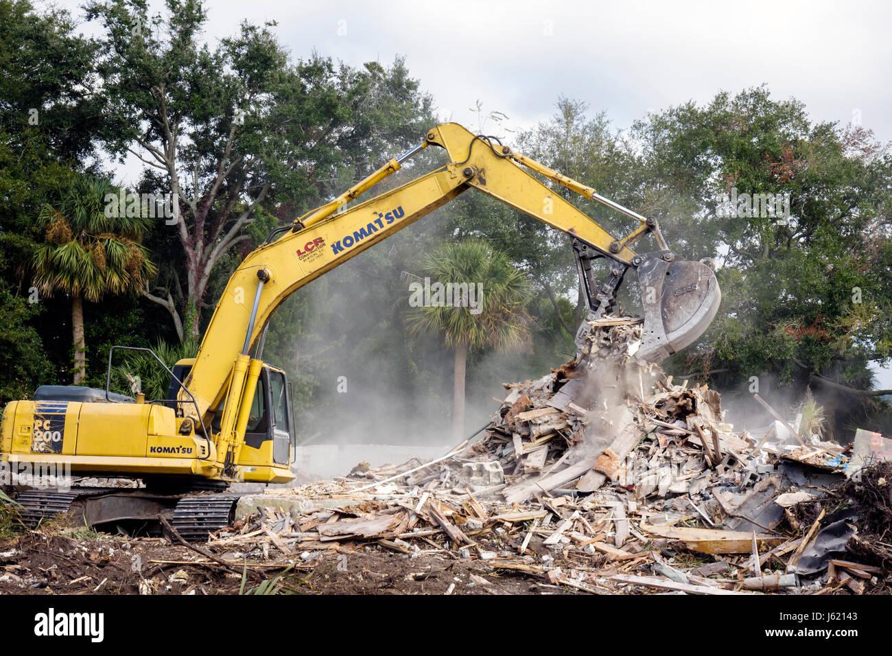 South Carolina Beaufort Bay Street building demolition demolish tear down raze razing site structure wood wooden - Stock Image