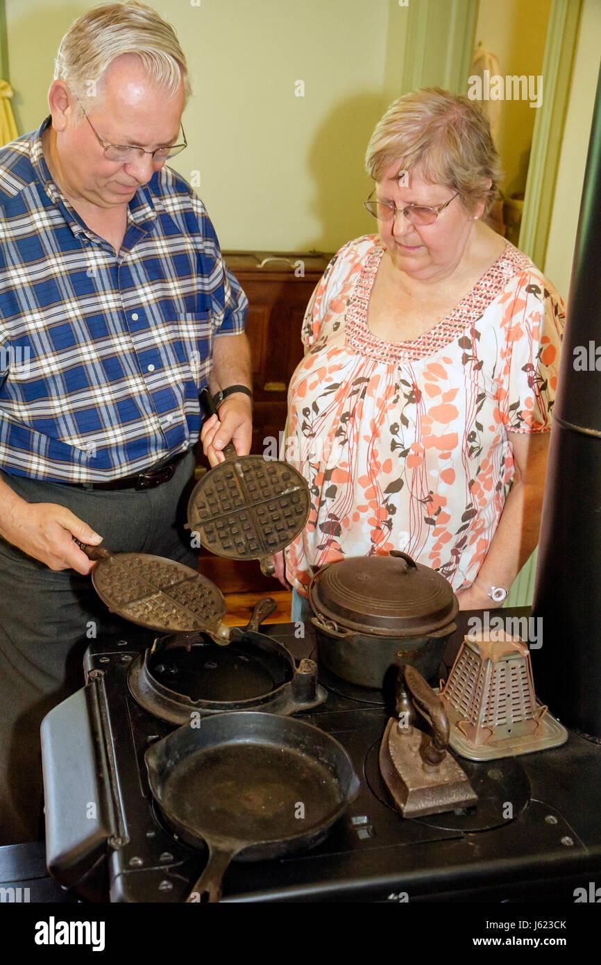 Indiana Portage Countryside Park Alton Goin Historical Museum Samuelson farmhouse regional history heritage kitchen - Stock Image