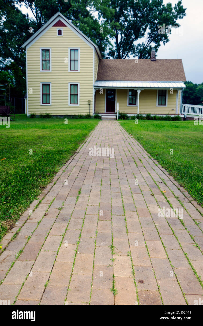 Indiana Portage Countryside Park Alton Goin Historical Museum regional history restore Samuelson farmhouse yellow - Stock Image