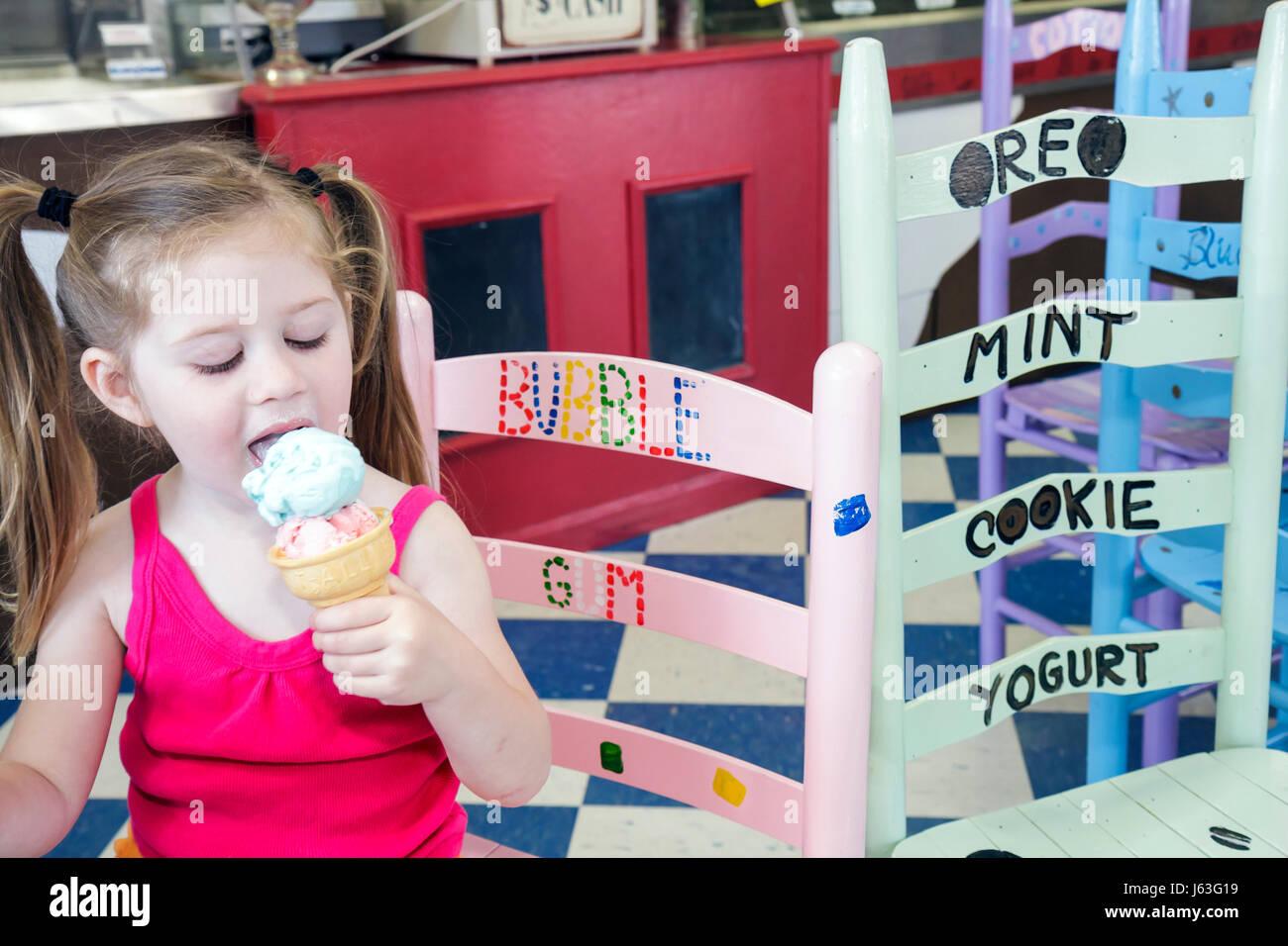 Indiana Valparaiso Valpo Velvet Shoppe ice cream maker dairy frozen dessert business girl cone whimsical decor treat - Stock Image