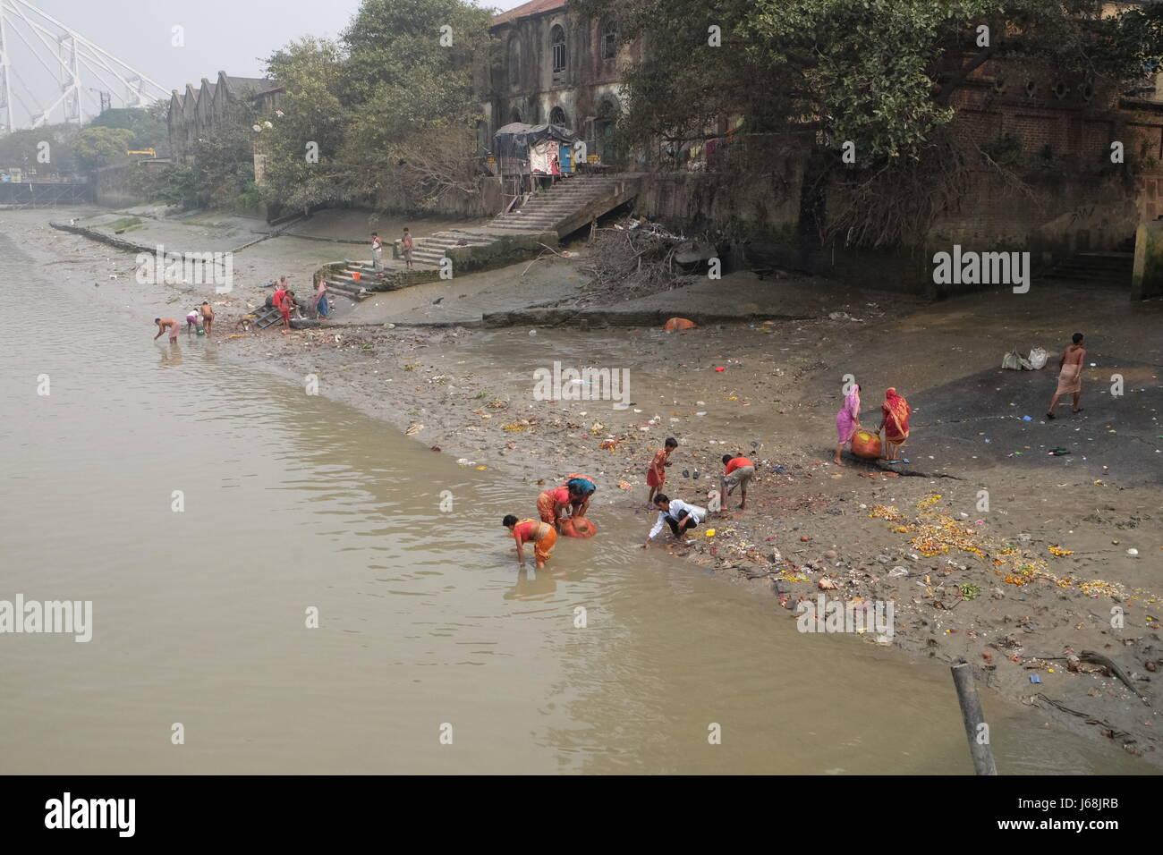 India Children Bathing In Ganges Stock Photos & India ...