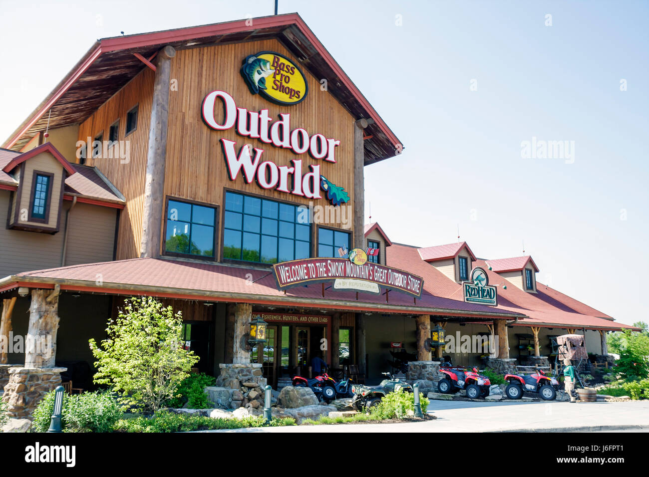 Tennessee Sevierville Kodak Bass Pro Shops sporting goods outdoor recreation retail chain exterior building name - Stock Image