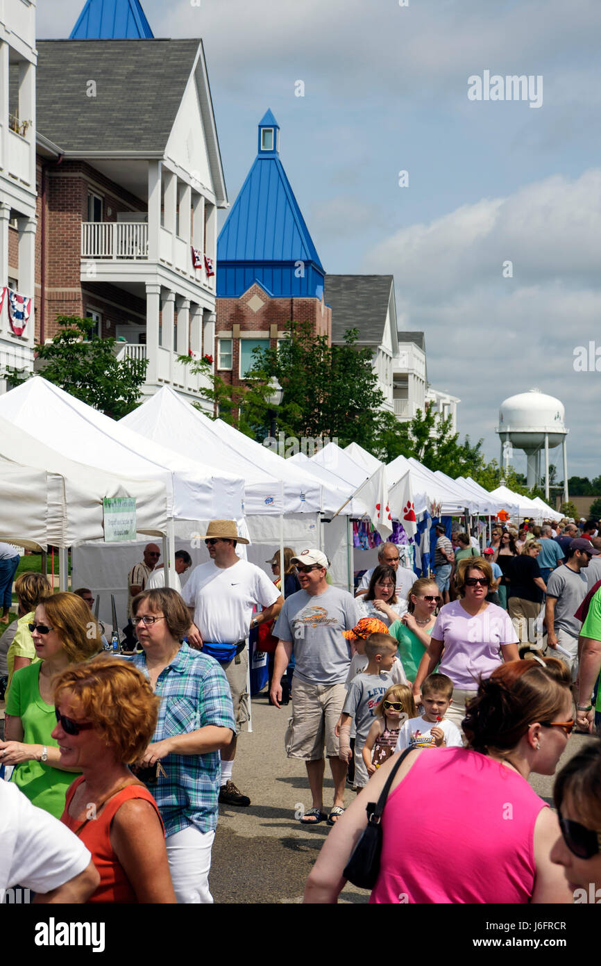 Wisconsin Kenosha HarborMarket Harbor Market outdoor sell buy tents man men woman women boy girl family shop small - Stock Image