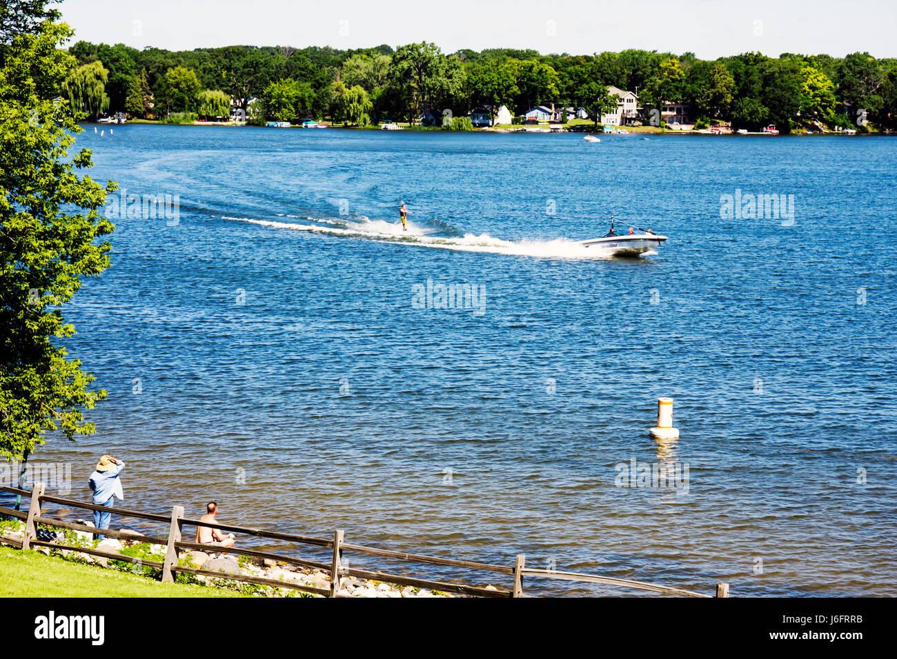 Wisconsin Kenosha Paddock Lake Old Settlers Park boating skiing water sport lakeshore scenic fishing - Stock Image