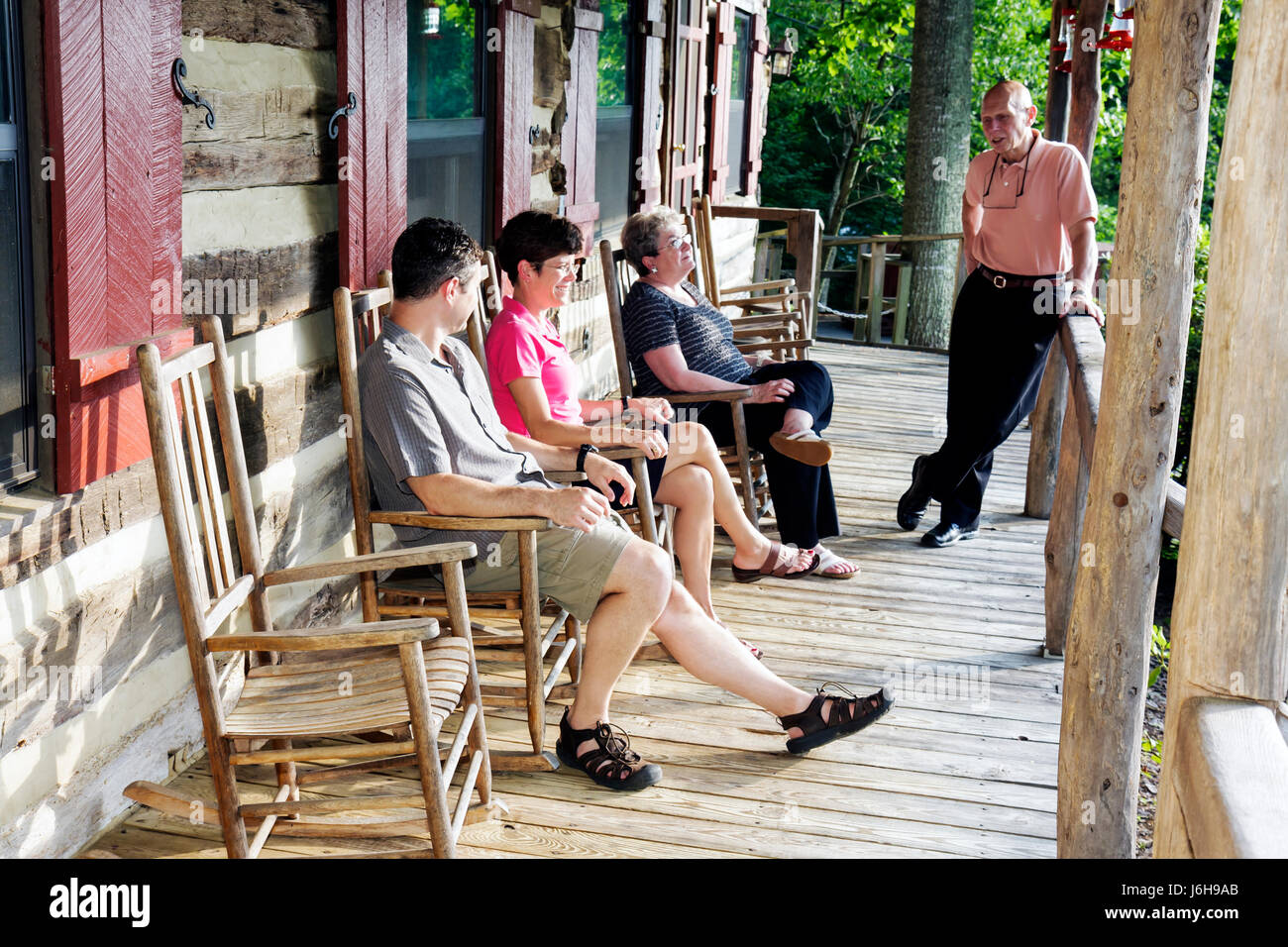 Virginia Steeles Tavern near Blue Ridge Parkway Sugar Tree Inn Bed and Breakfast lodging rustic veranda rocking - Stock Image