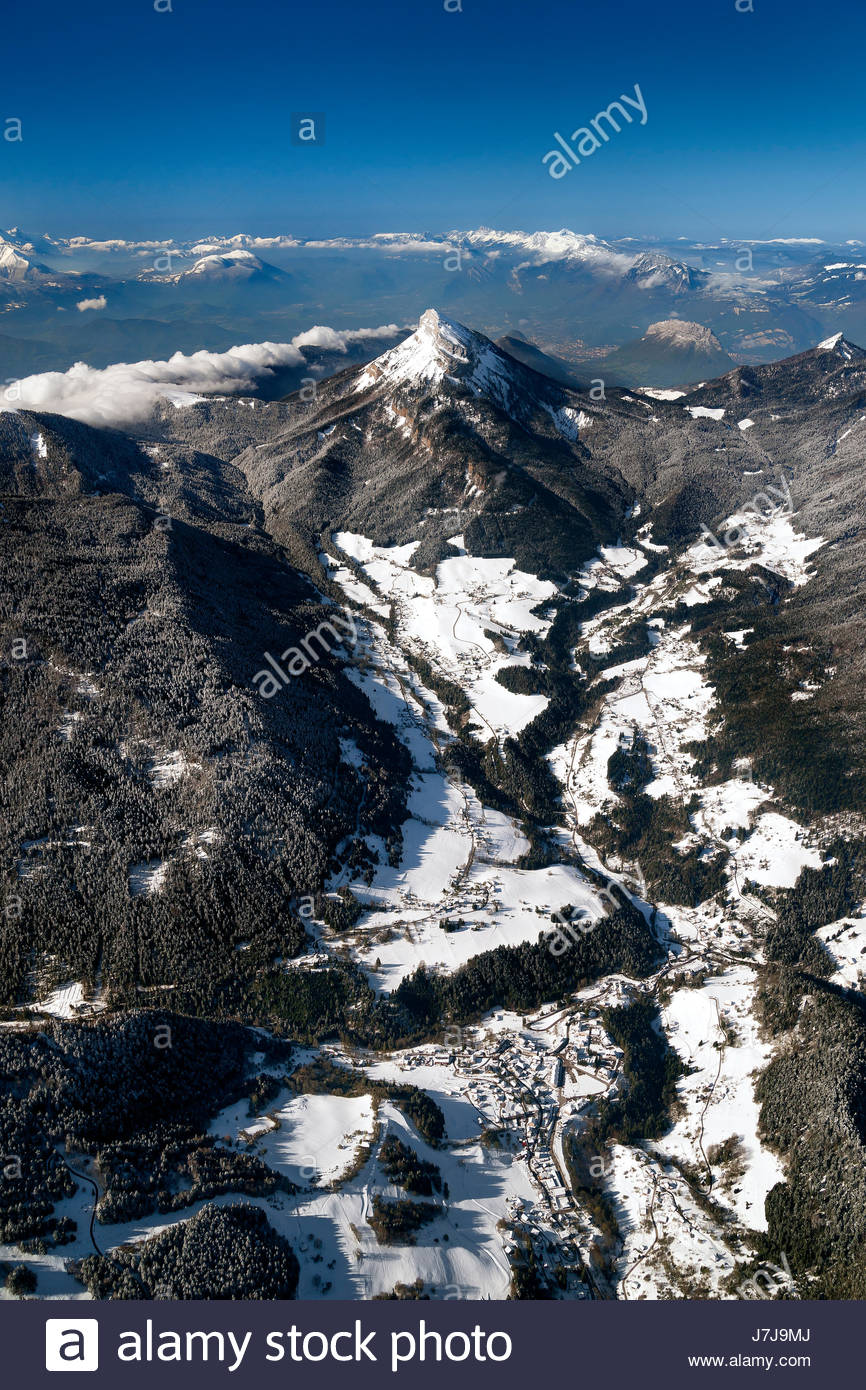 aerial-view-over-saint-pierre-and-saint-