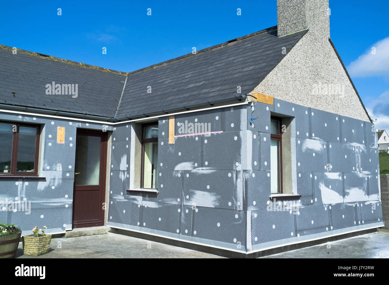 Exterior Building Insulation : Wall insulation heating building house uk