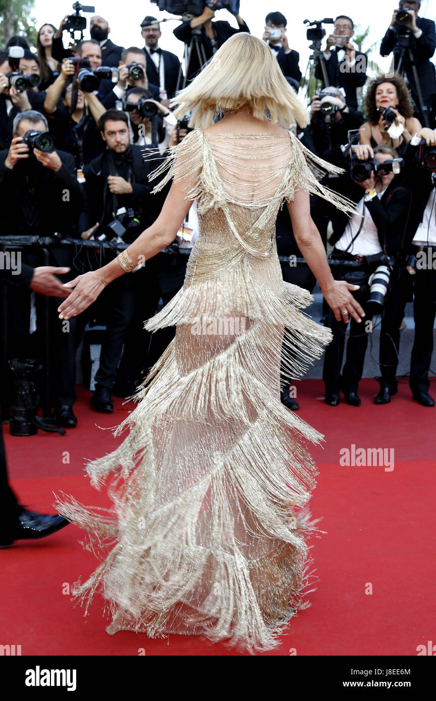 Cannes, Frankreich. 28th May, 2017. Uma Thurman attending the closing-night of the 70th Cannes Film Festival at Stock Photo