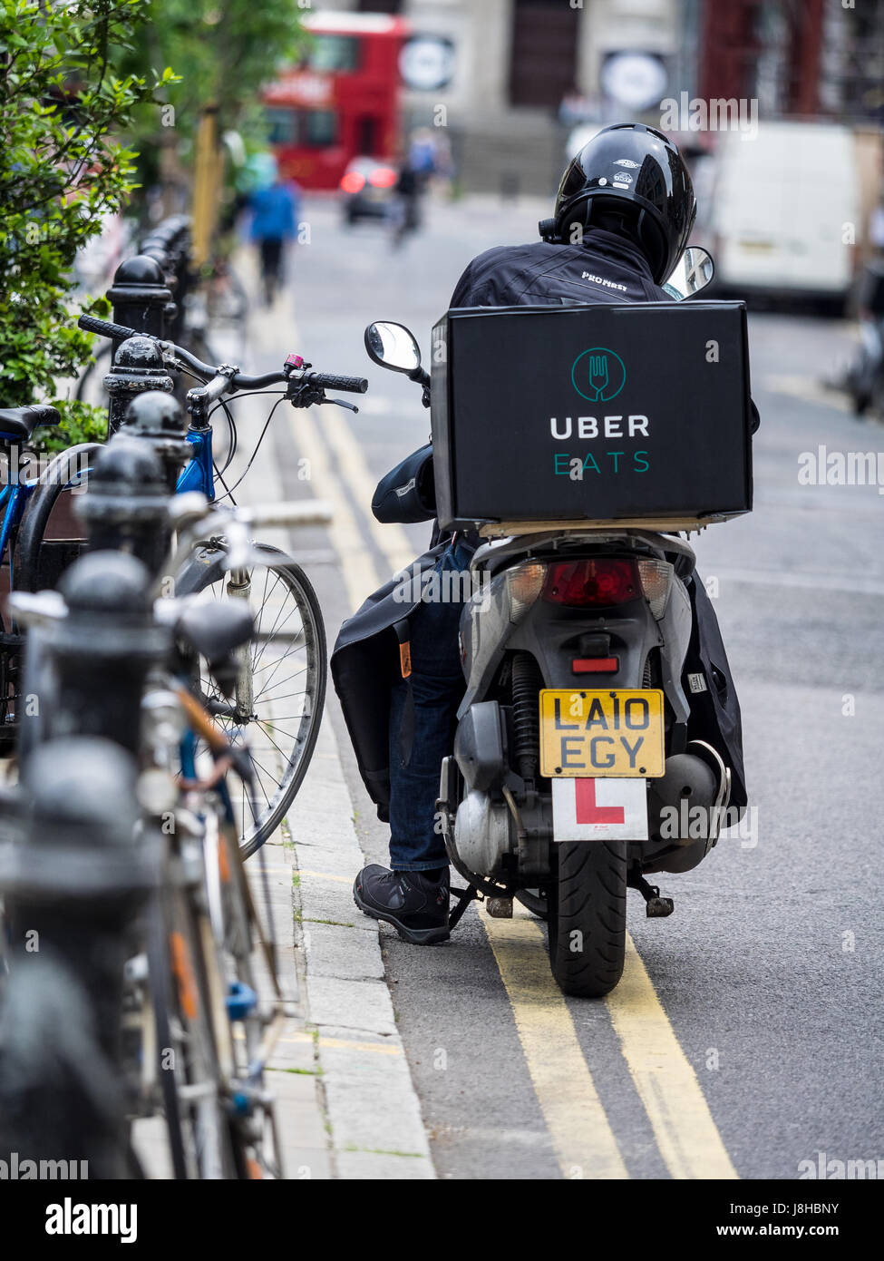 how to work with uber eats sydney