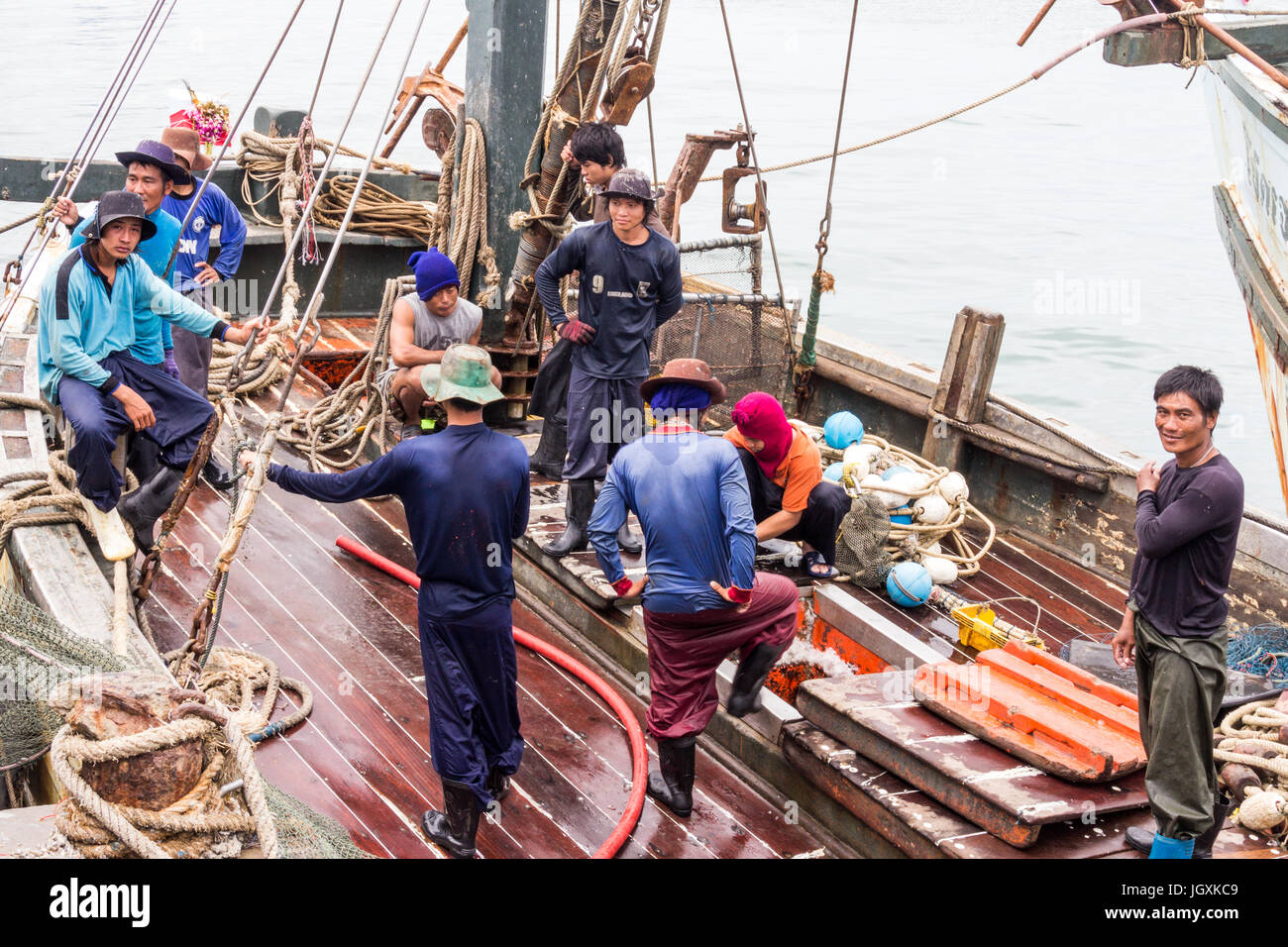 burmese-labour-on-a-thai-fishing-boat-in