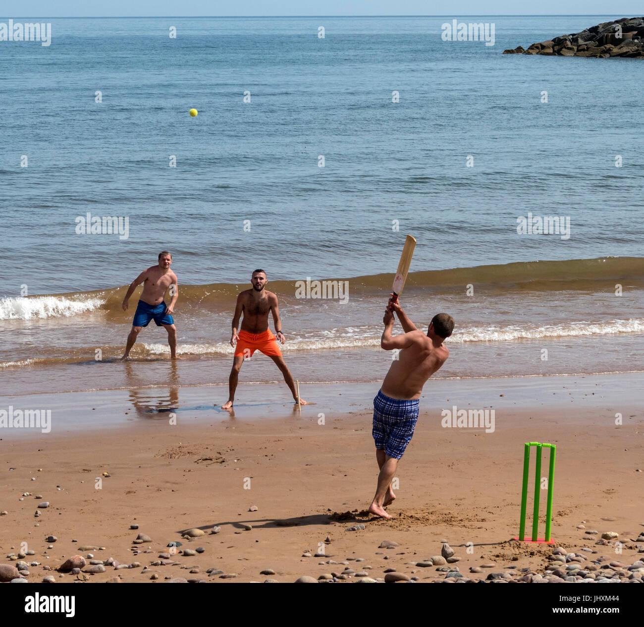 sidmouth-devon-uk-17th-july-2017-beach-c