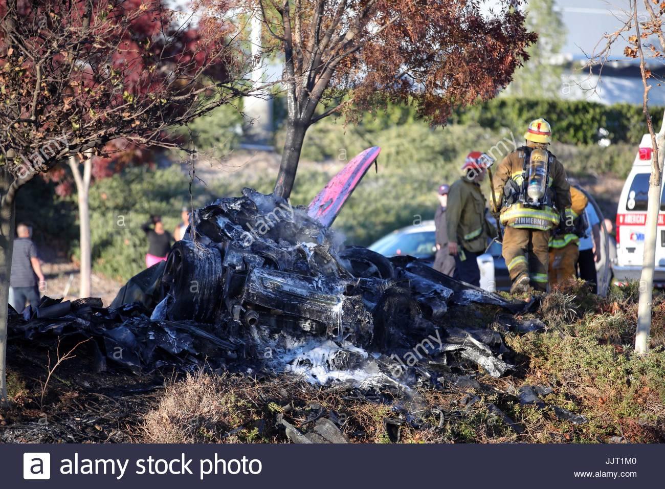 paul walker crash scene the aftermath of the tragic car. Black Bedroom Furniture Sets. Home Design Ideas