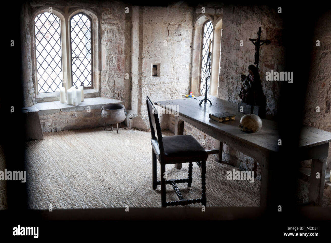 Cell inside Berkeley Castle where King Edward 2nd was imprisoned and murdered in 1327, Berkeley Castle, Berkeley, - Stock Image