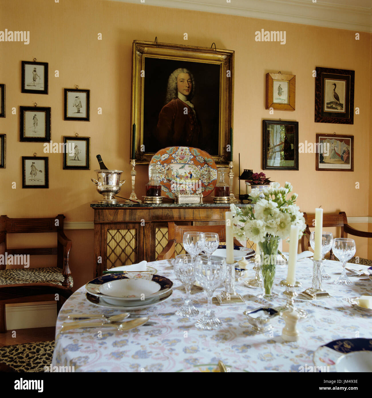Victorian Era Dining Room: Victorian Dining Table Setting Stock Photos & Victorian