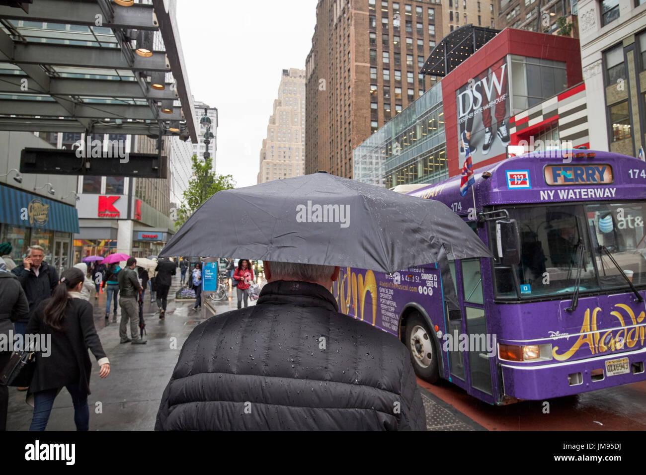 man city wet street stock photos man city wet street stock images alamy. Black Bedroom Furniture Sets. Home Design Ideas