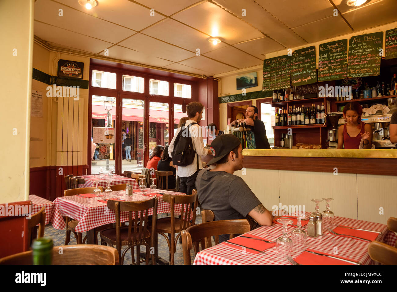 Baskisches stock photos baskisches stock images alamy - Restaurant buttes aux cailles ...