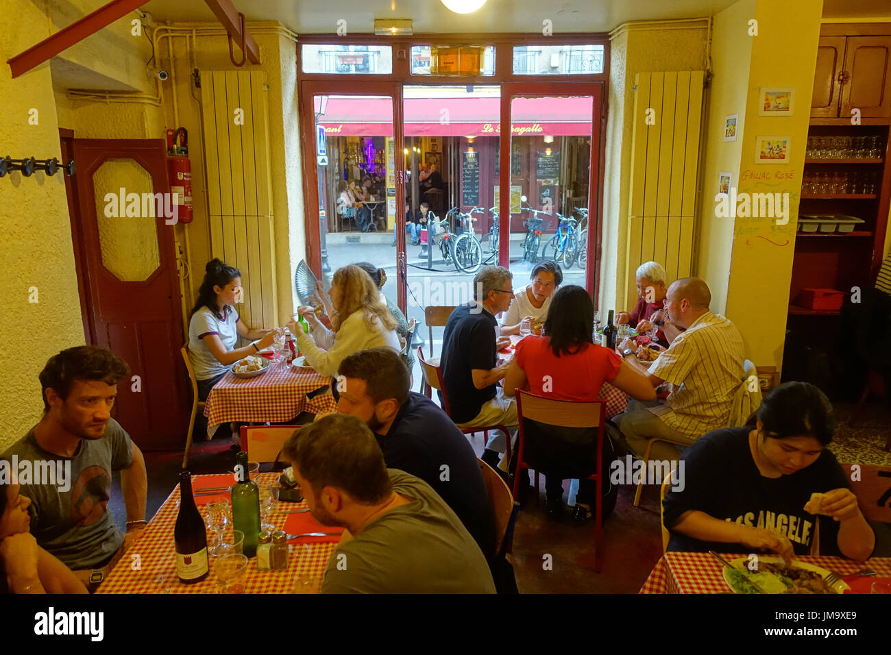 Baskisches stock photos baskisches stock images alamy - Restaurant butte aux cailles ...
