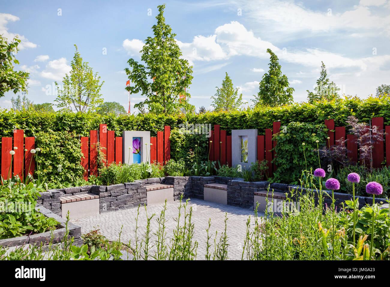 landscaped garden stock photos landscaped garden stock images alamy. Black Bedroom Furniture Sets. Home Design Ideas