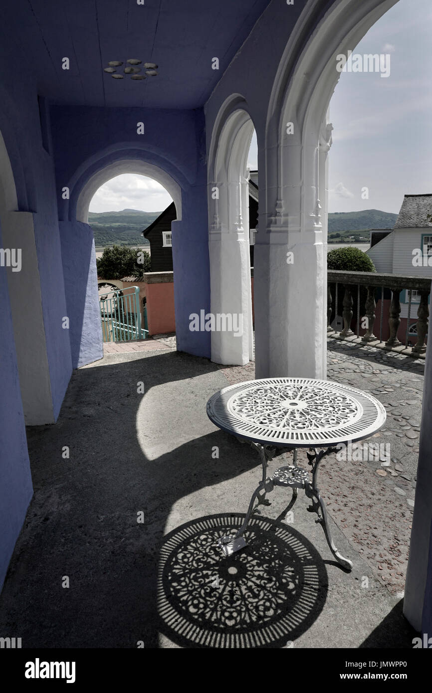 round table and shadow portmeirion gwynedd wales - Stock Image
