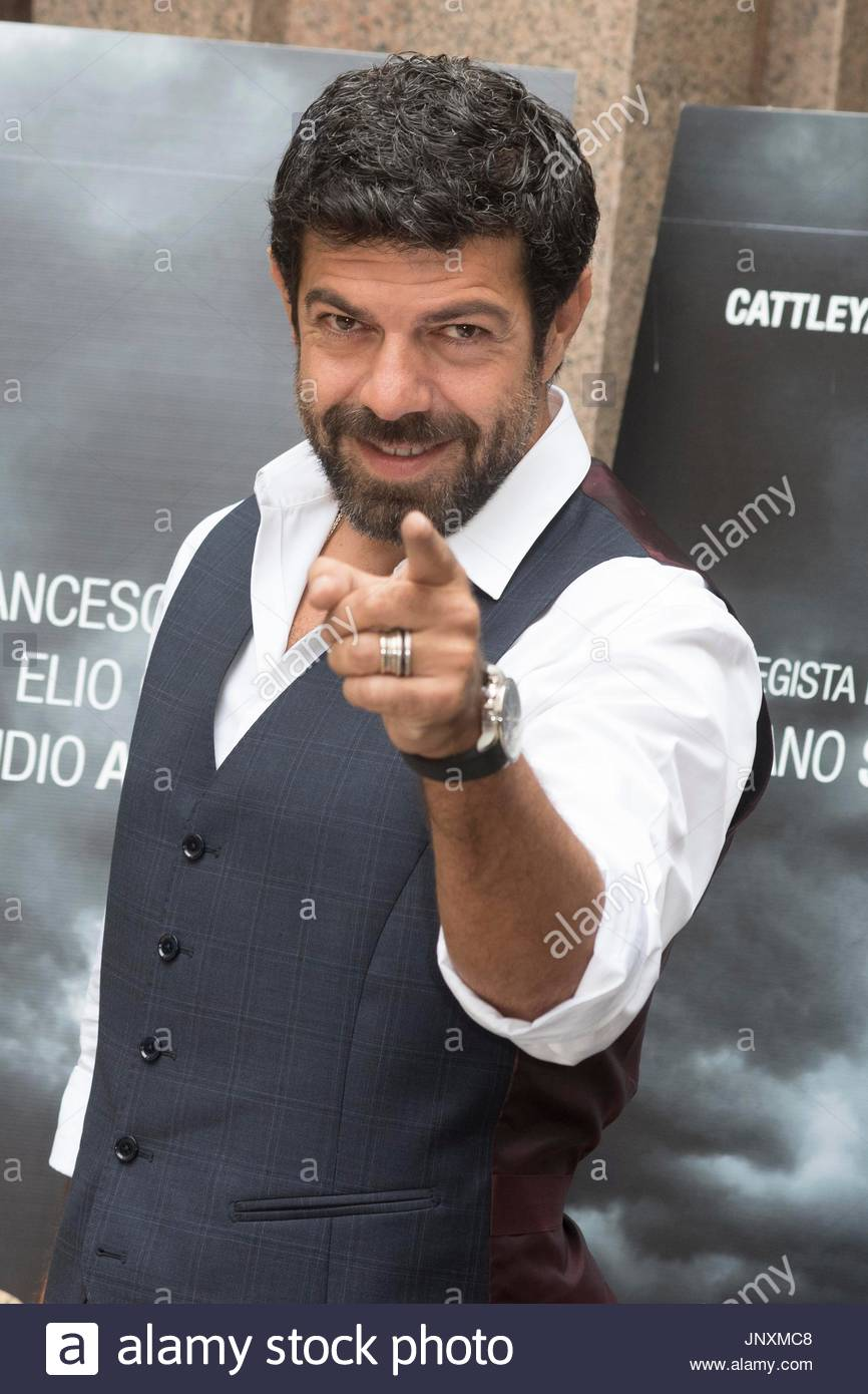 pierfrancesco favino photo call of the movie quotsuburraquot in