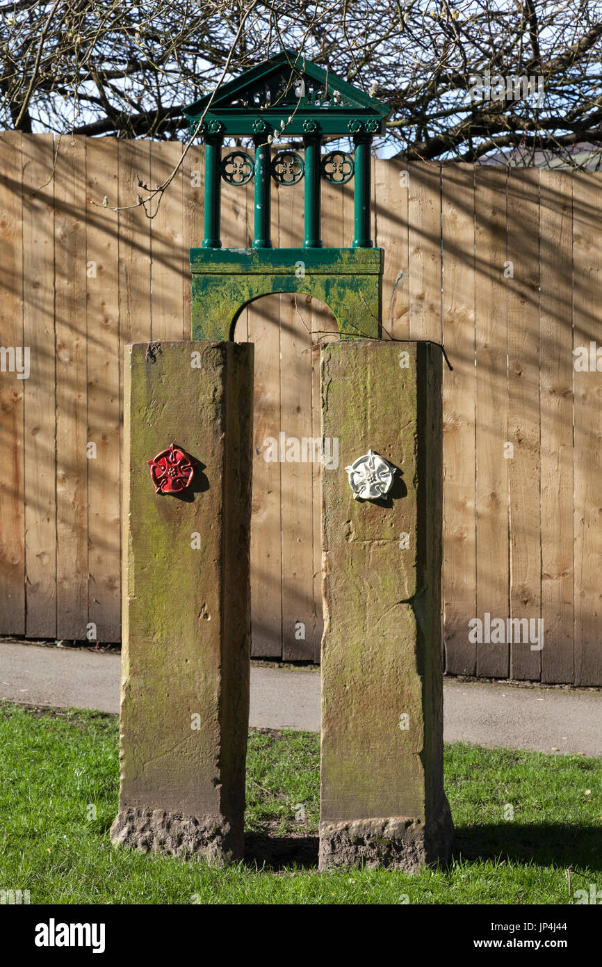 Boundary marker on the old boundary between Lancashire and Yorkshire, Todmorden, West Yorkshire - Stock Image