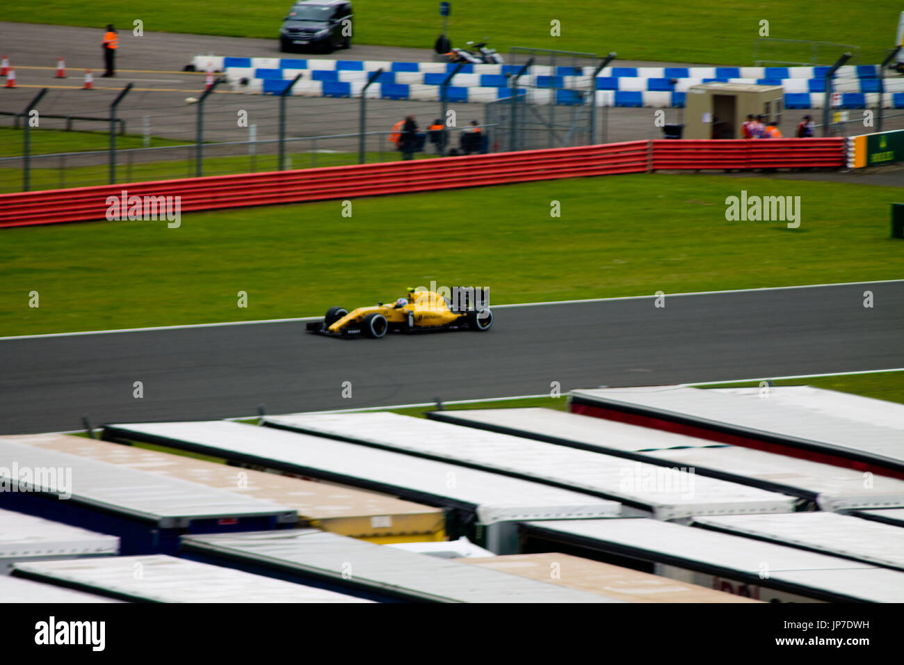 Lorry roof stock photos lorry roof stock images alamy - Hangar straight silverstone ...