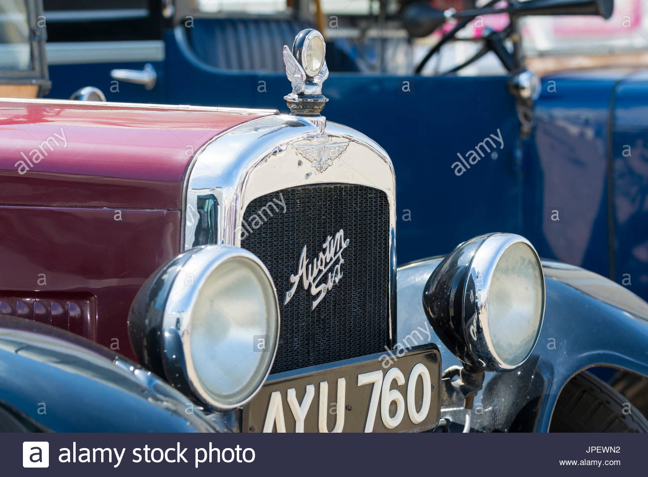front-of-a-vintage-austin-six-london-taxicab-from-the-1930s-austin-JPEWN2.jpg