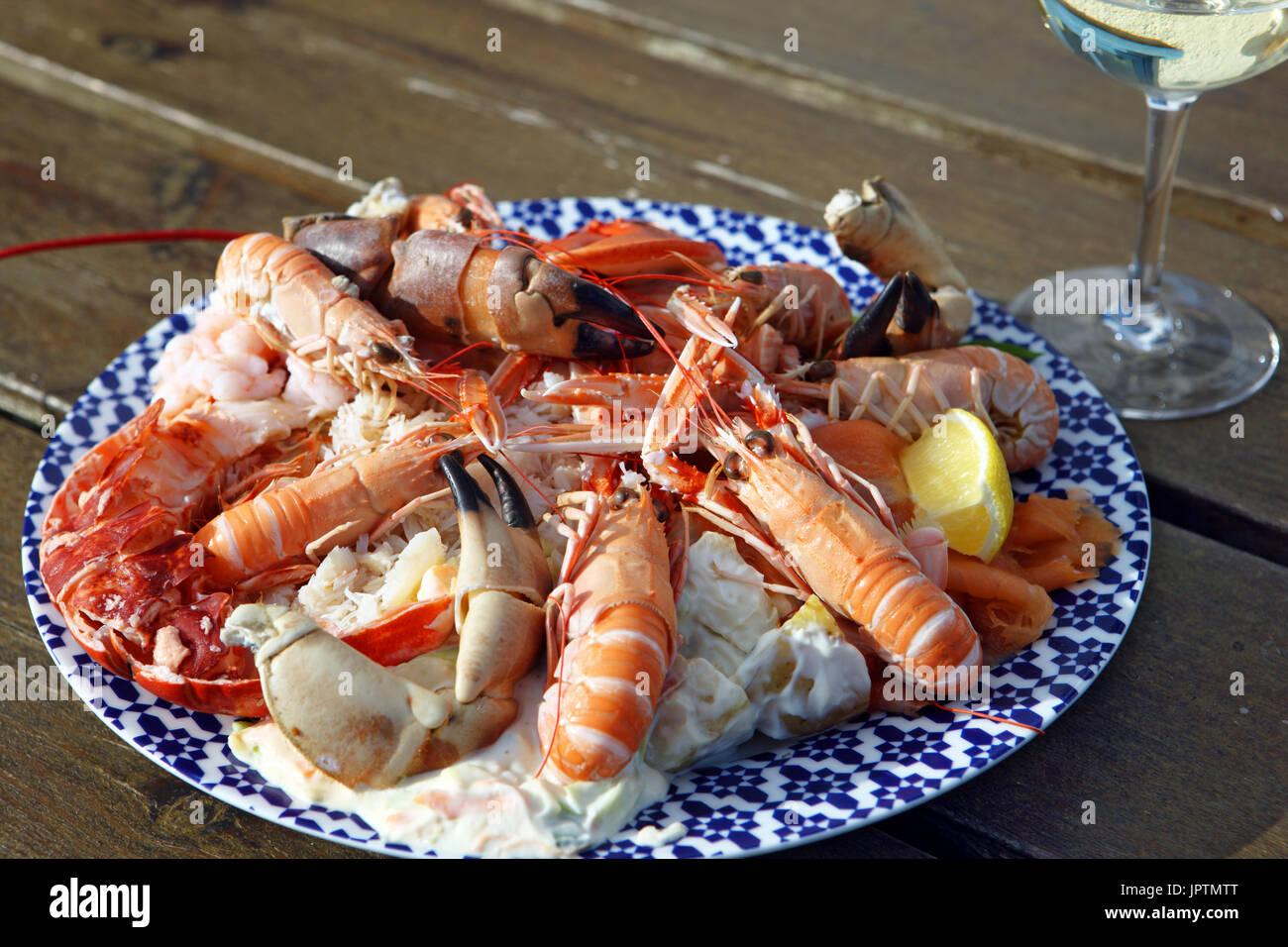 seafood-platter-isle-of-mull-scotland-JP