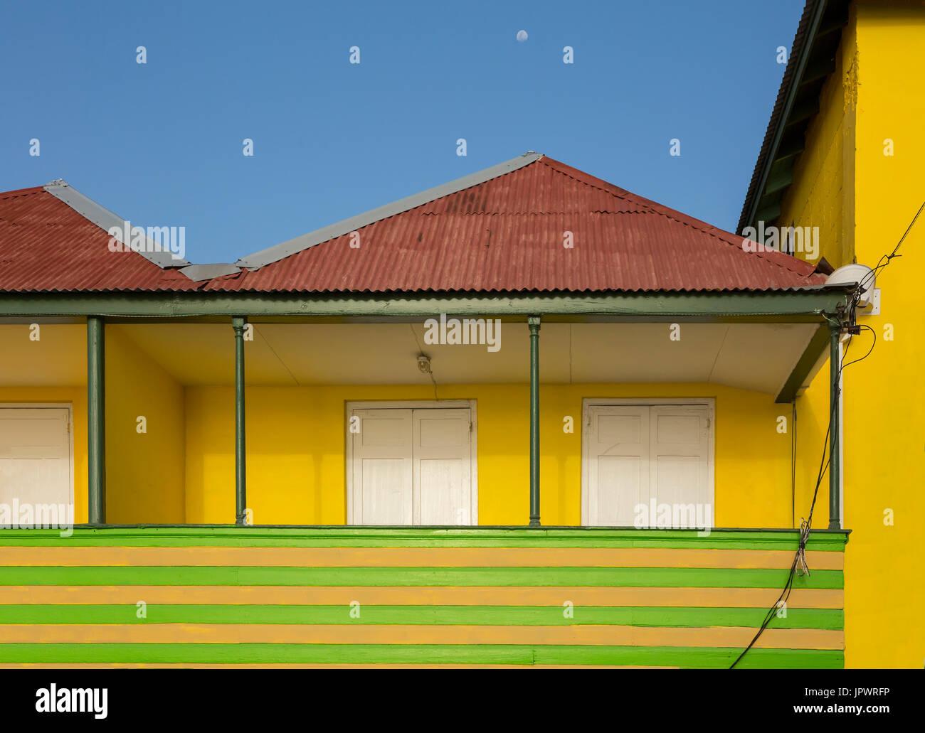 Yellow Corrugated Iron Roof Stock Photos Amp Yellow