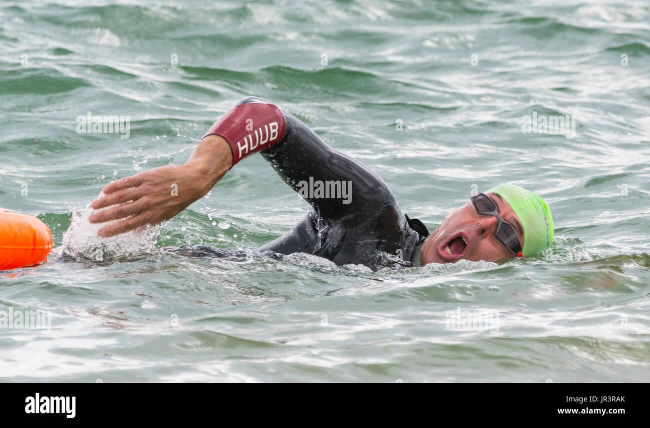 man-swimming-in-the-sea-swimming-training-swimming-in-the-ocean-JR3RAK.jpg