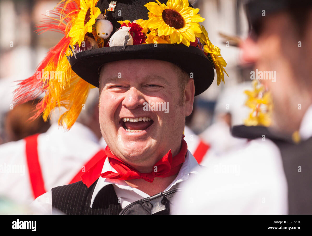 sidmouth-5th-aug-17morris-men-perform-be