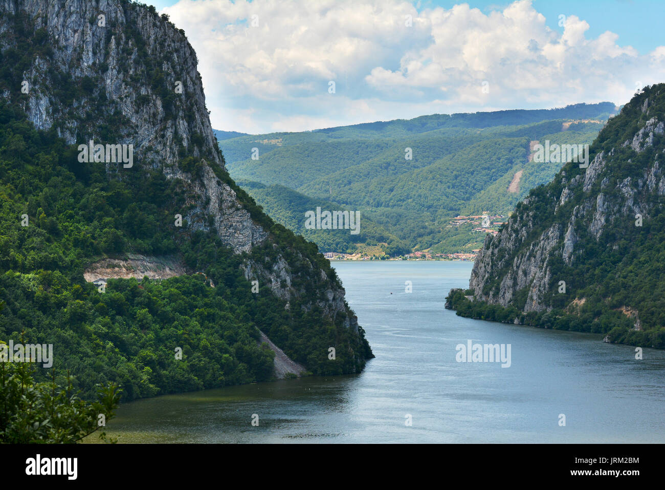 danube between mountains and - photo #4