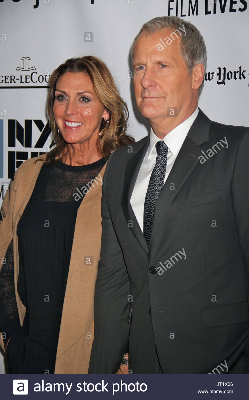 Jeff Daniels with wife Kathleen Rosemary Treado ...