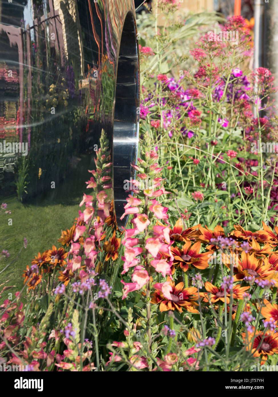 David harper stock photos david harper stock images alamy for Pip probert garden designer