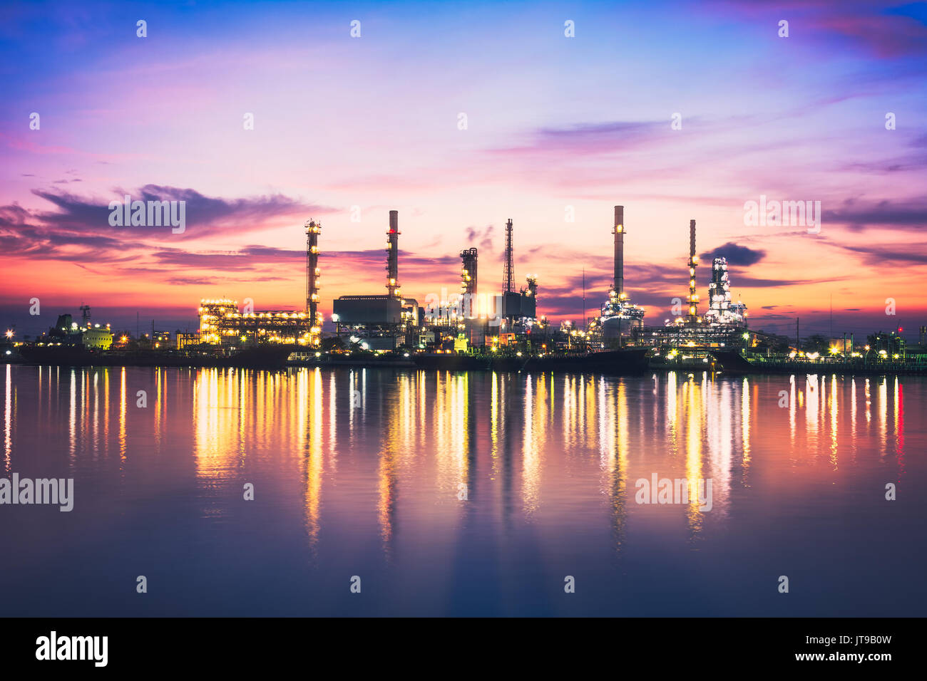sunrise-oil-refinery-at-twilight-in-bang