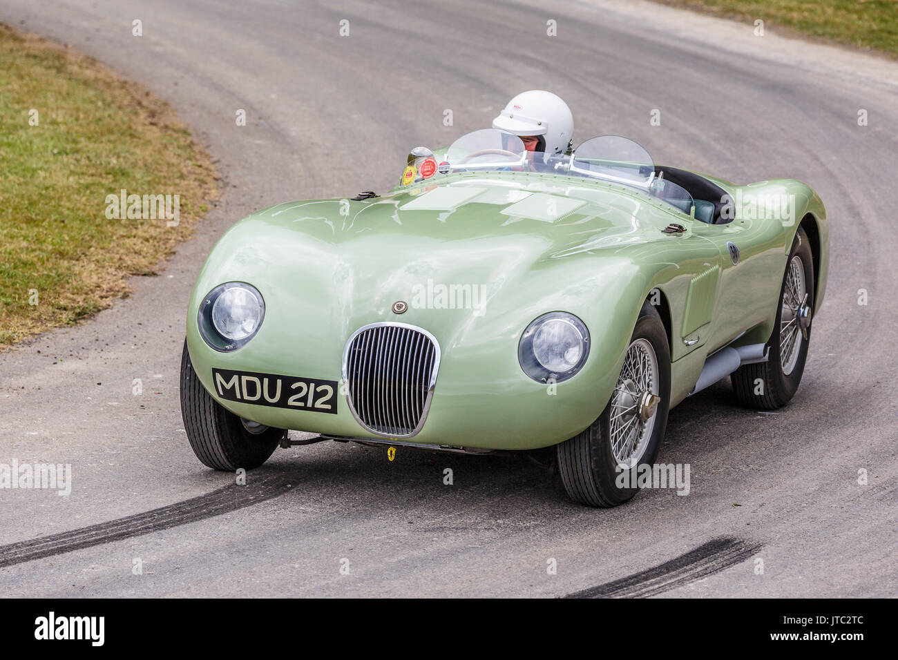 1953 jaguar c type le mans endurance racer with driver andrew frankel stock photo royalty free. Black Bedroom Furniture Sets. Home Design Ideas