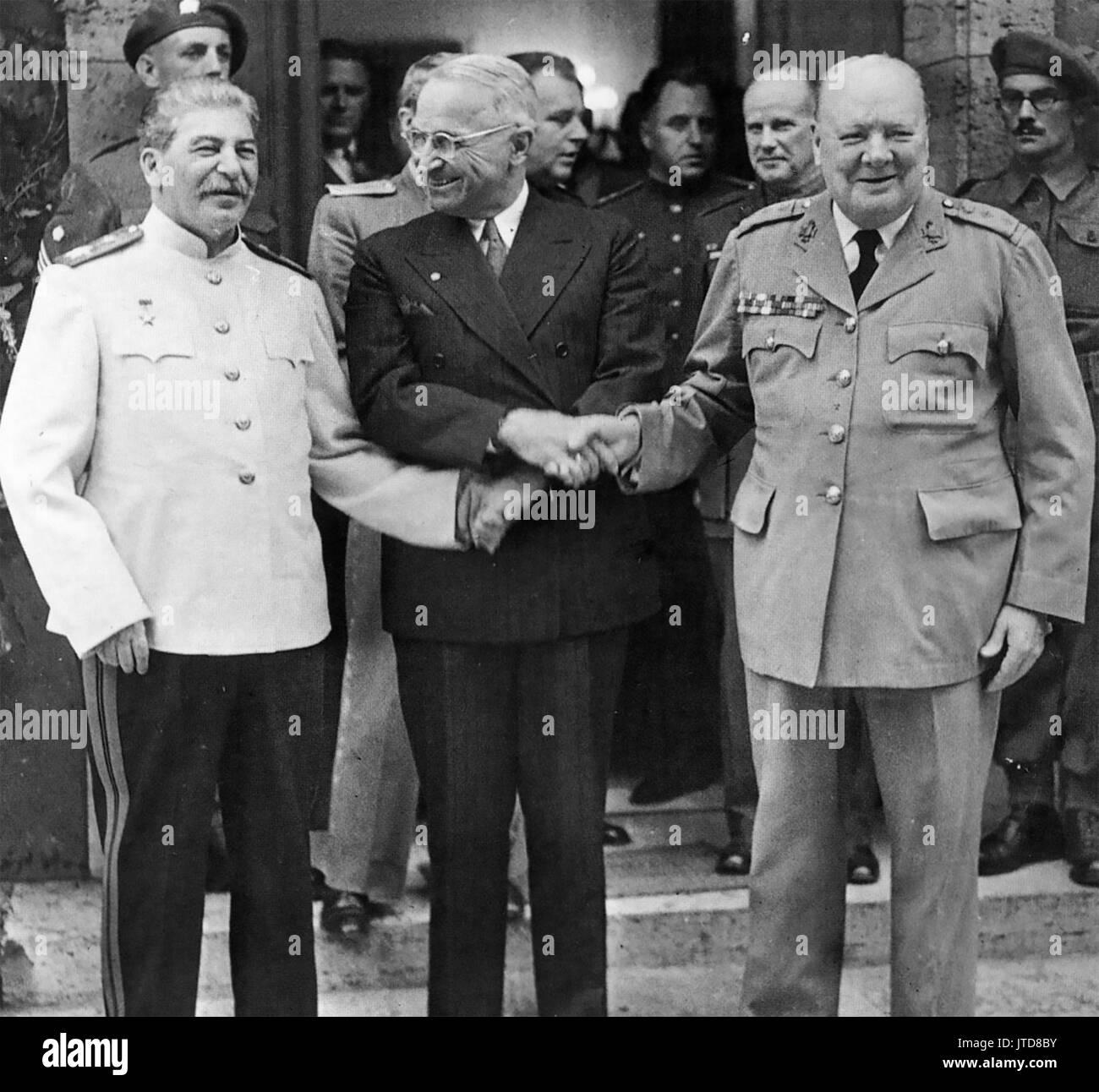 POTSDAM CONFERENCE July-August 1945. From left: Joseph Stalin, Harry Truman, Winston Churchill - Stock Image