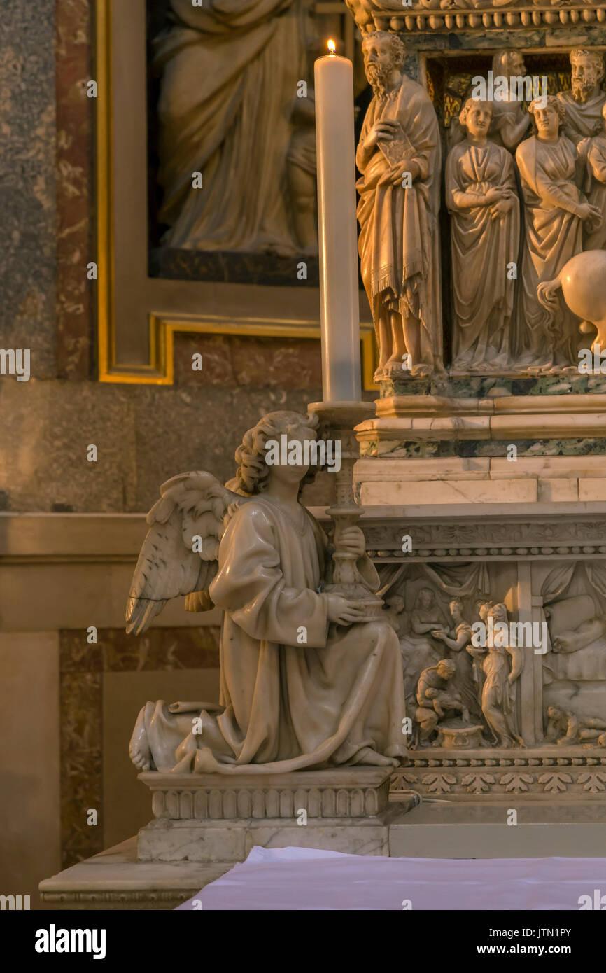 Angel, by Niccolo dell'Arca, 1470-1473, Ark of Saint Dominic, Basilica of San Domenico, Bologna, Emilia-Romagna - Stock Image