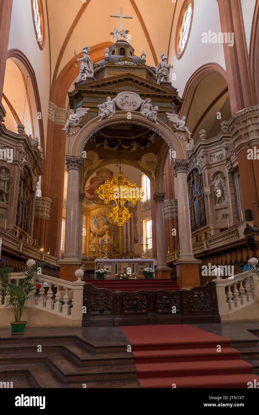 The nave, with ciborium by Vignola, Basilica of San Petronio, Bologna, Emilia-Romagna region, Italy - Stock Image