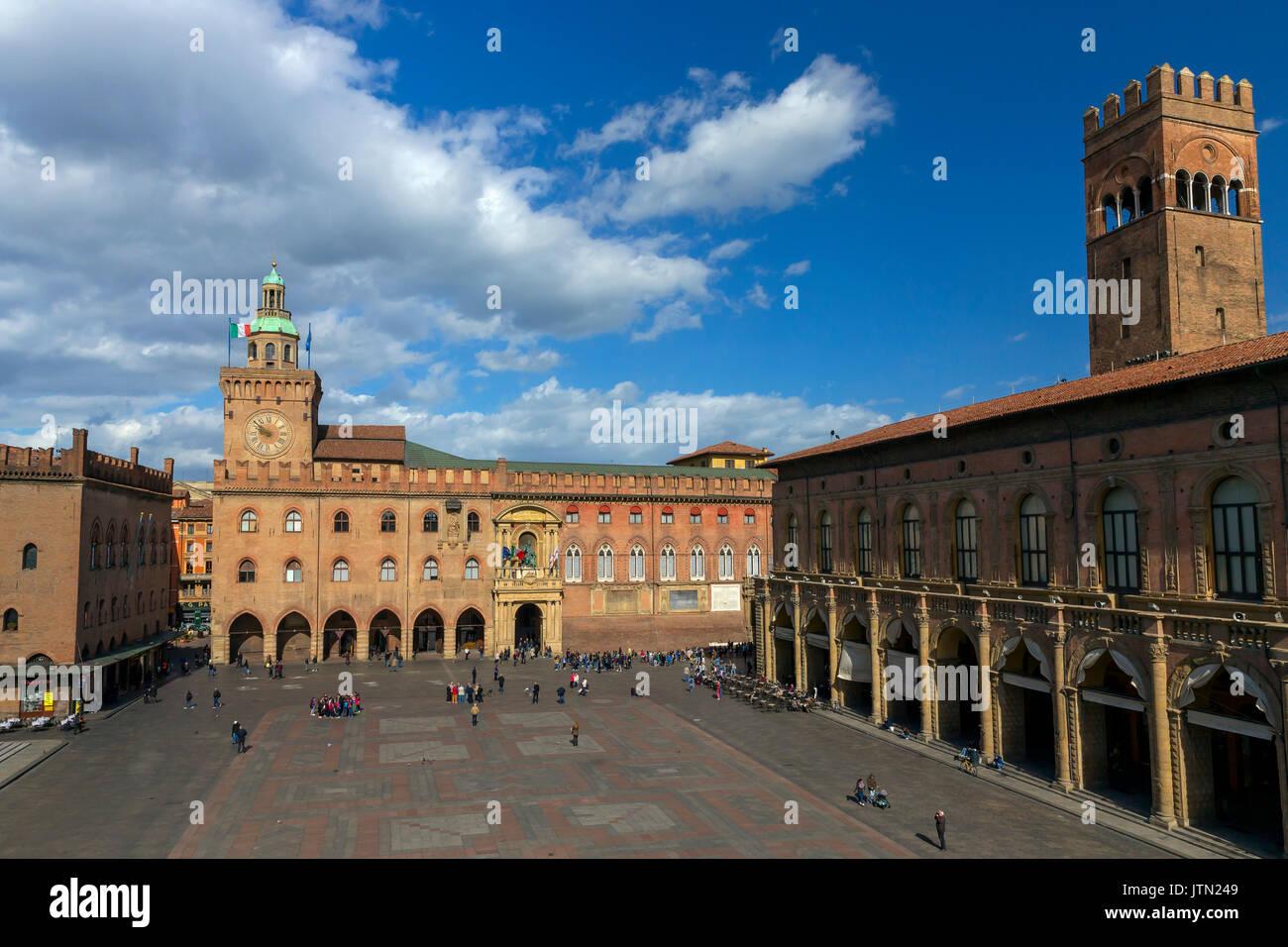 Palazzo d'Accursio, Piazza Maggiore, Bologna, Emilia-Romagna region, Italy - Stock Image