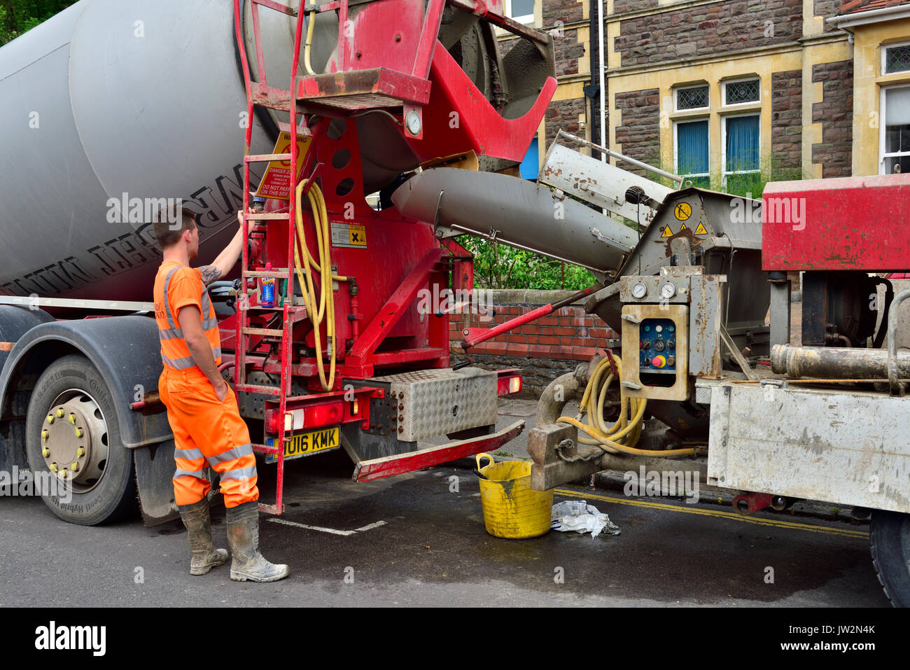 Cement Mixer Truck Stock Photos Amp Cement Mixer Truck Stock