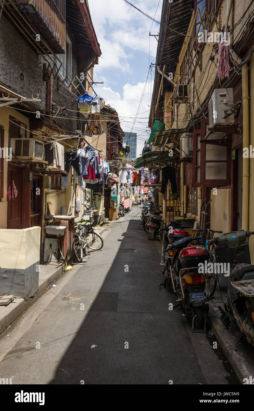 a-back-street-off-the-wuton-road-in-shanghai-which-is-full-of-character-JWC5N9.jpg
