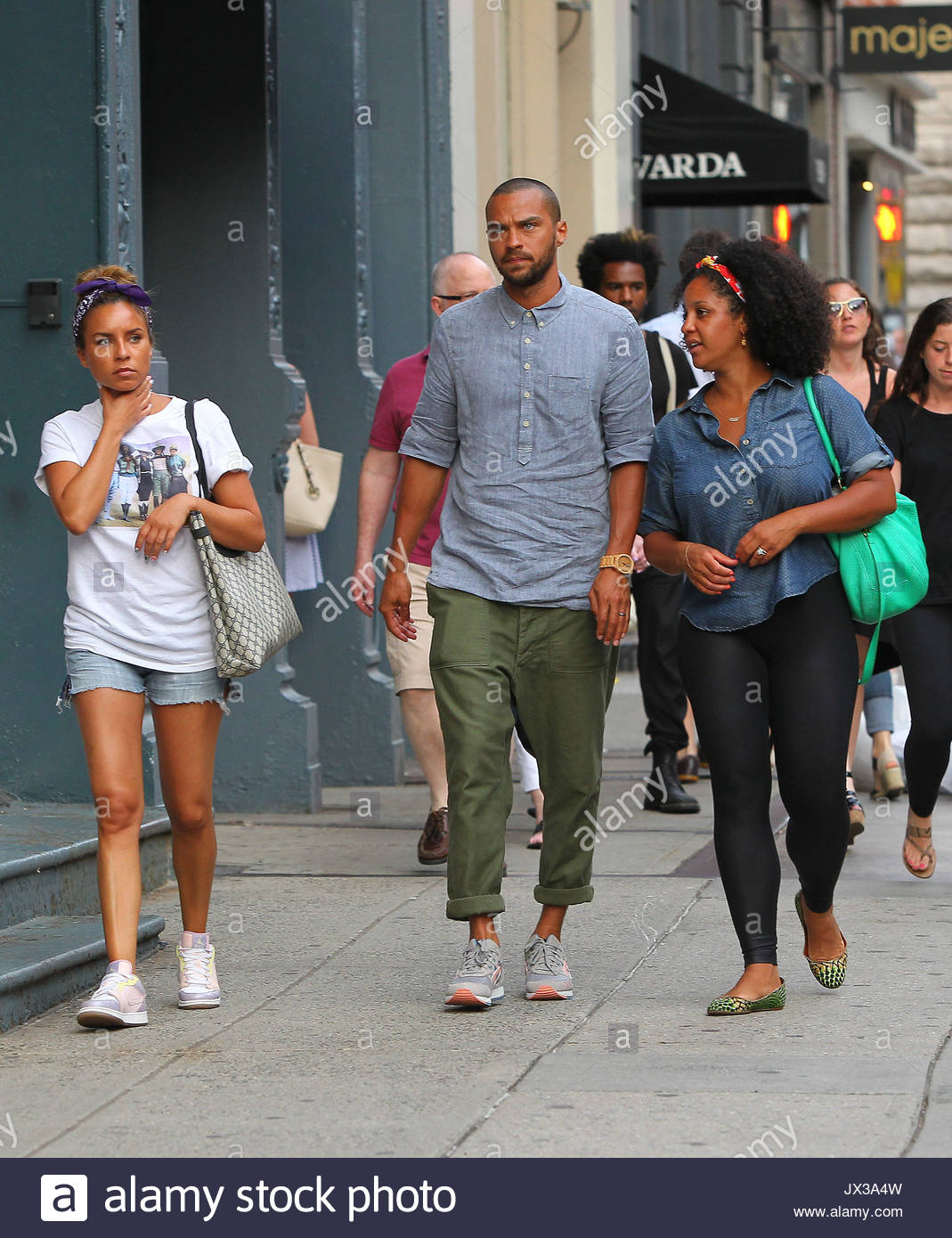 jesse williams and aryn drakelee jesse williams and wife