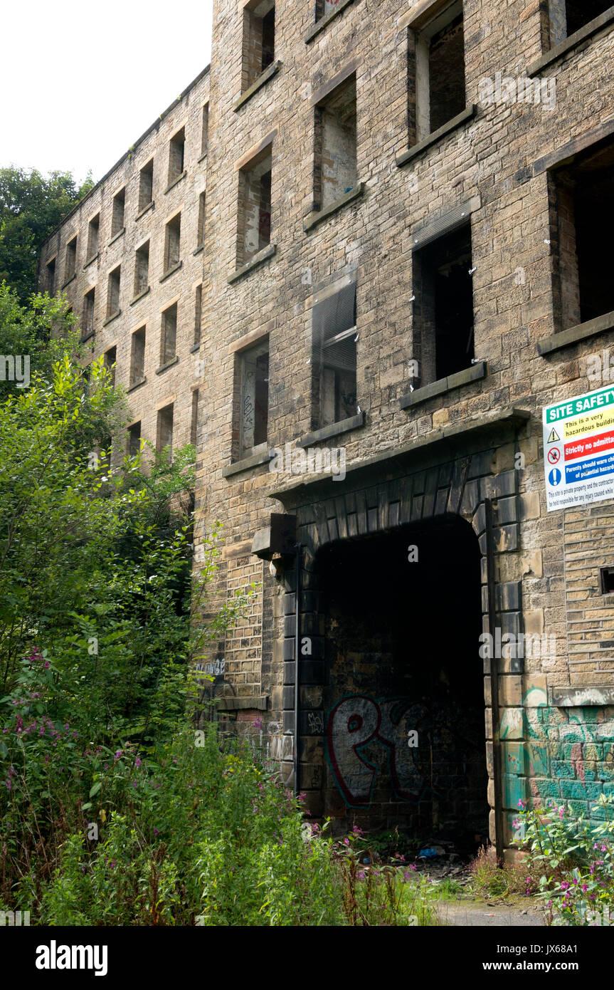 Derelict mill, Halifax, West Yorkshire - Stock Image