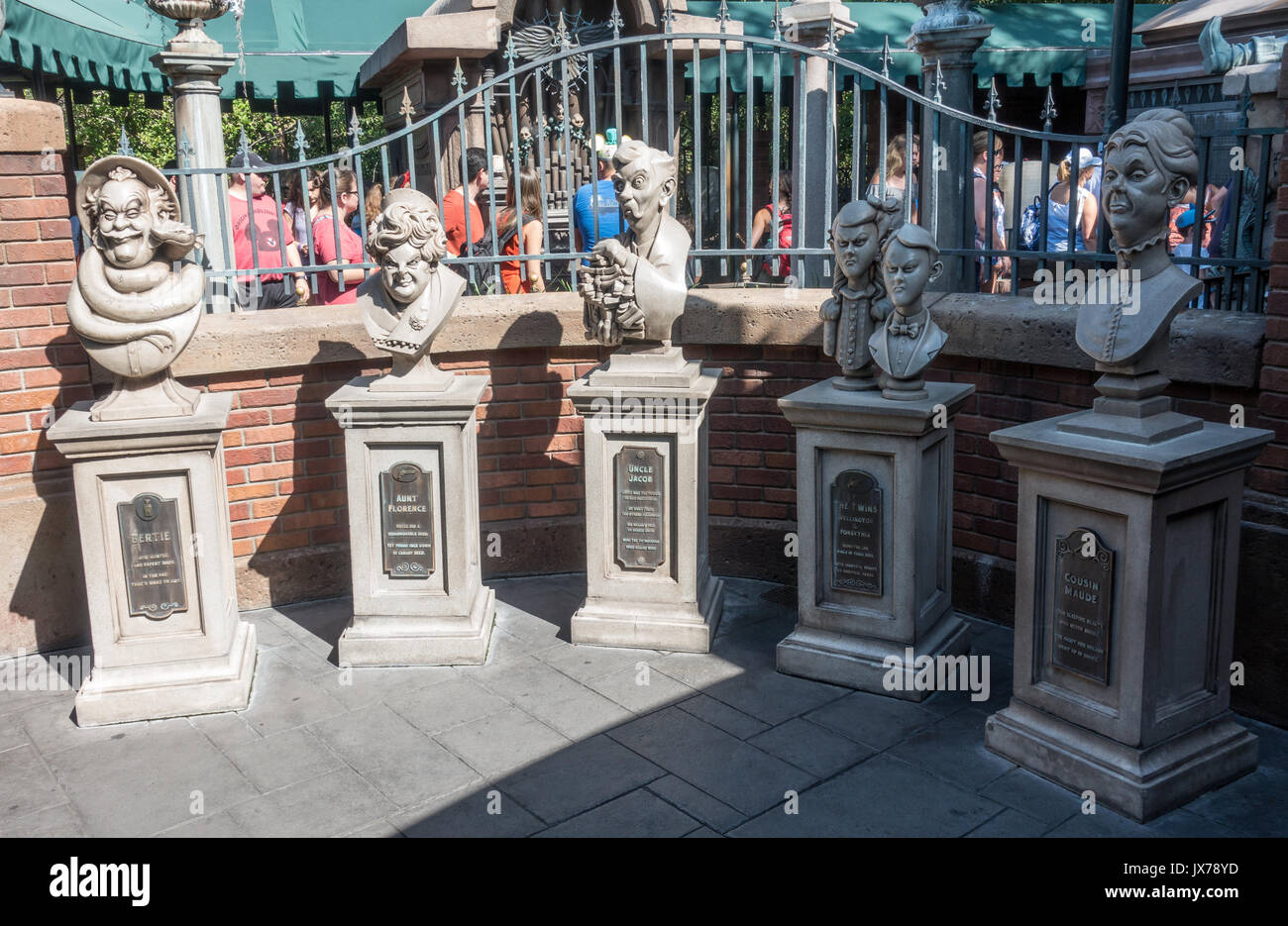 Dread Family Busts in the queue for the Haunted Mansion in Magic Kingdom, Walt Disney World, Orlando, Florida. - Stock Image