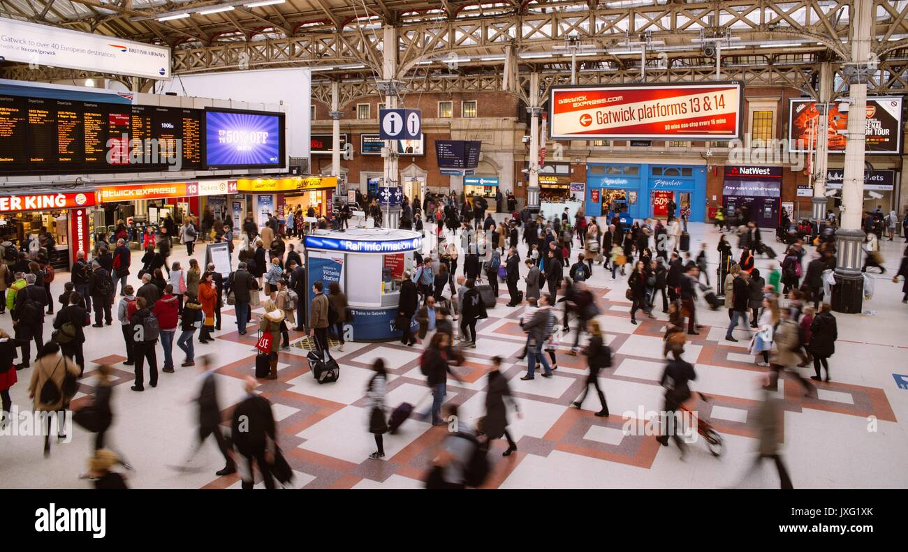 busy-victoria-station-in-london-england-JXG1XK.jpg