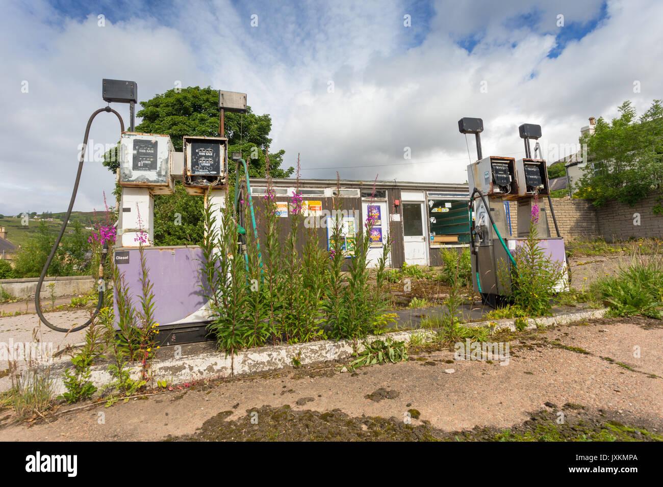 Petrol fuel gas garage forecourt shut down in rural Scotland Helmsdale UK - Stock Image